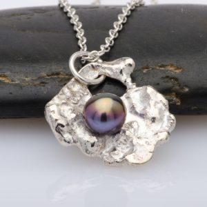 pearl-silver-pendant-necklace-aurora