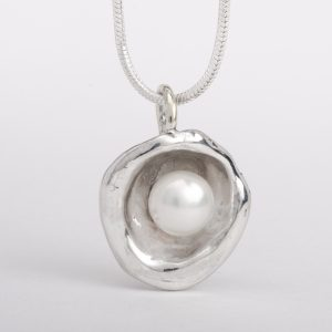 pearl-silver-pendant-necklace-aruba